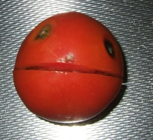 Red-Smiley-Tomate